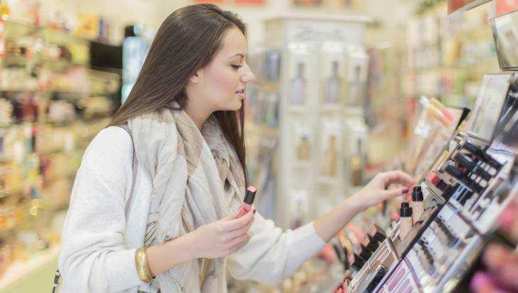 Брянский супермаркет косметики наказали залживую рекламу