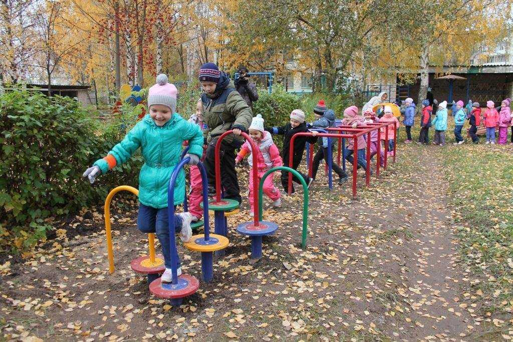 Спортивная площадка детского сада фото