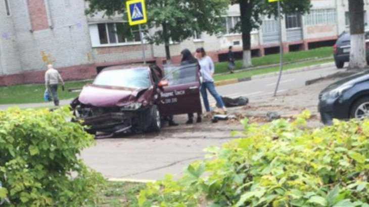 В Брянске в ДТП с «Яндекс. Такси» ранения получили два человека