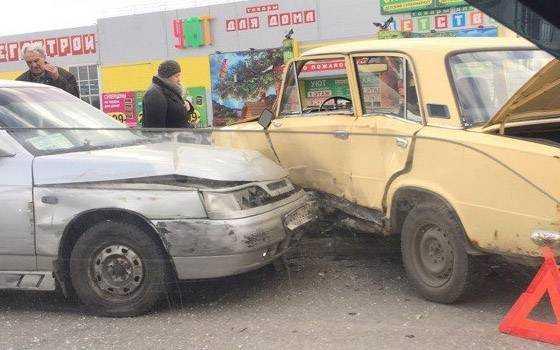 ВБрянске пенсионер надревнем автомобиле учинил массовую трагедию