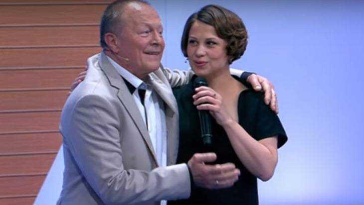 Дочь 70-летнего Бориса Галкина родилась раньше доэтого срока