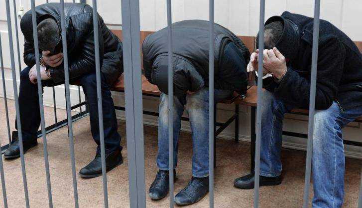 Трое граждан Жуковки отправятся зарешетку заразбой икражу