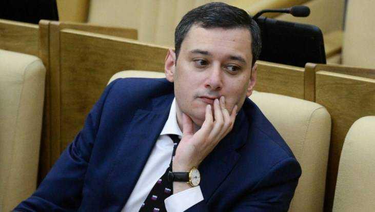 Бывший чиновник Александр Хинштейн может вернуться в Государственную думу
