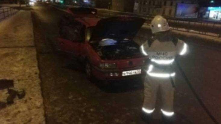 ВБрянске горящую легковую машину потушили за несколько минут