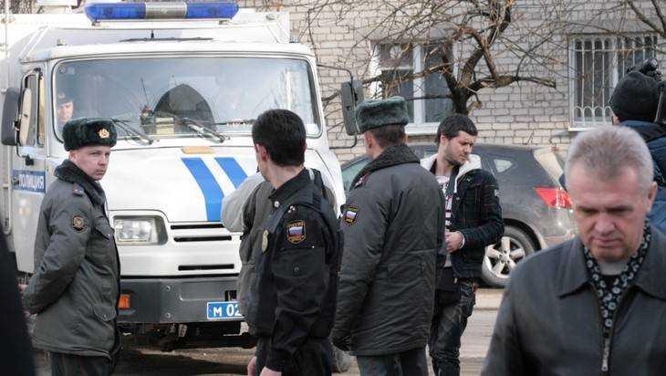Украинские наркоторговцы избили служащих полицейского конвоя вБрянске
