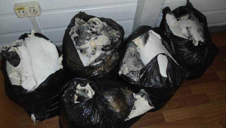 Через Брянск пытались провезти 122 шкуры животных
