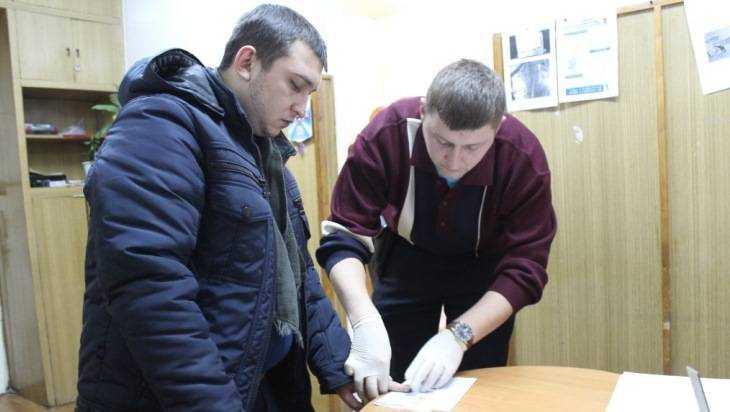 Полицейские погорячим следам задержали подозреваемого всерии разбойных нападений вБрянске