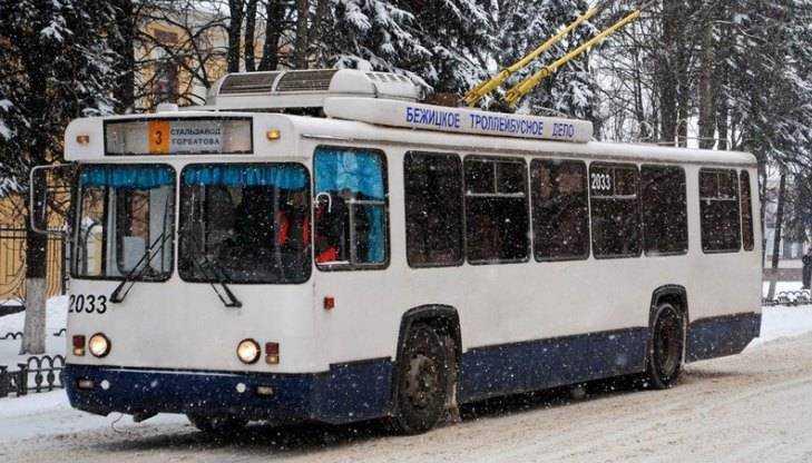 ВБрянске при падении втроллейбусе пострадали две пенсионерки