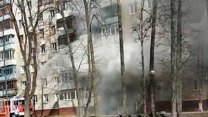 Изгорящего дома вБрянске эвакуировали жильцов