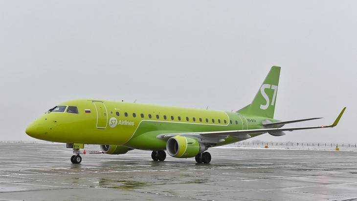 ВБрянске из-за снегопада несмог сесть самолет