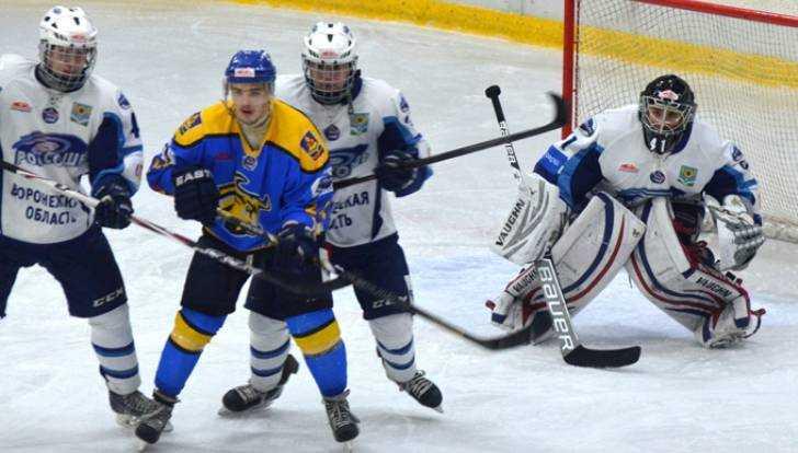 Хоккеисты «Брянска» только всерии буллитов переиграли воронежскую «Россошь»