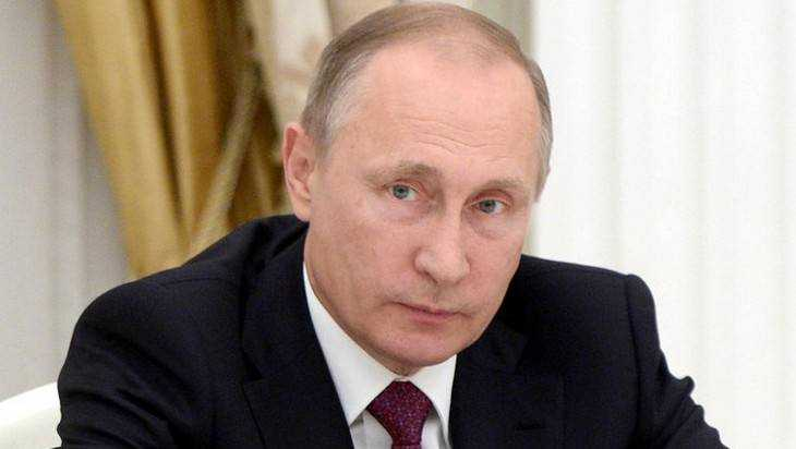 Владимир Путин поздравляет костромичей сДнем защитника Отечества