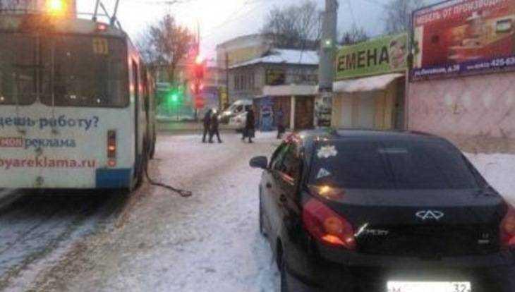 ВБрянске ищут водителя, устроившего массовое ДТП