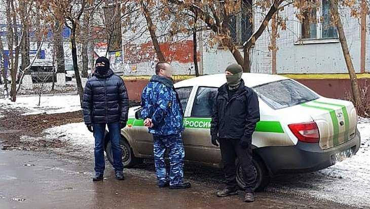 В Брянске ФСБ задержала за получение взятки сотрудника УФСИН
