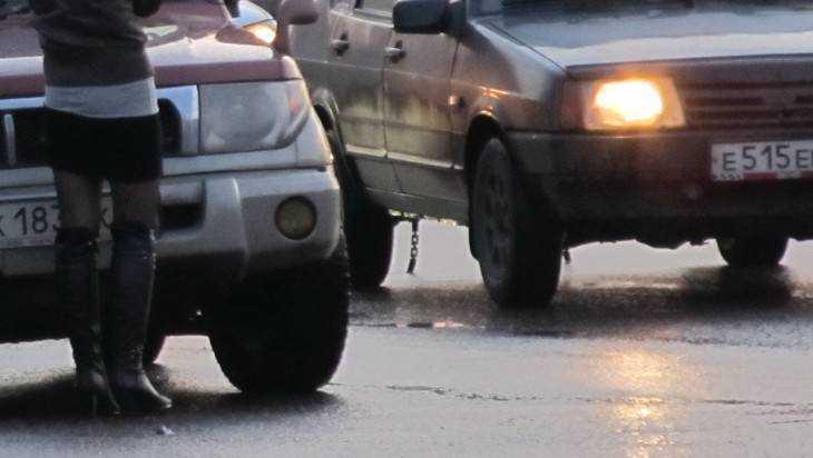 ДТП вБрянске: Под колеса иномарки угодила 29-летняя девушка