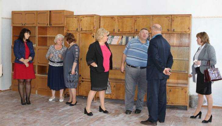 В3-й школе Брянска обвалился потолок