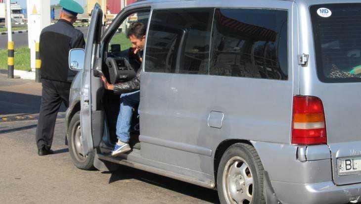 Брянские таможенники словили украинца, виновного всмертельном ДТП