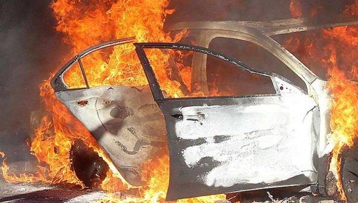 Под Брянском мстительный ревнивец угнал и сжёг автомобиль соперника