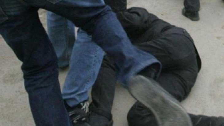 В Путевке в уличной драке забили насмерть 47-летнего мужчину