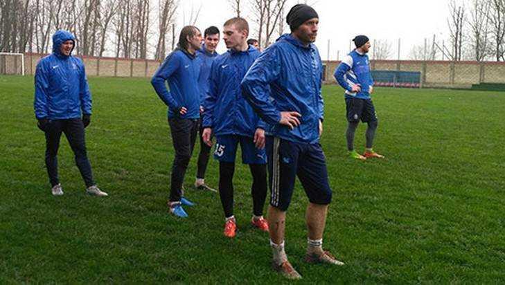 Футболисты брянского «Динамо» победили «Смену» вКраснодарском крае