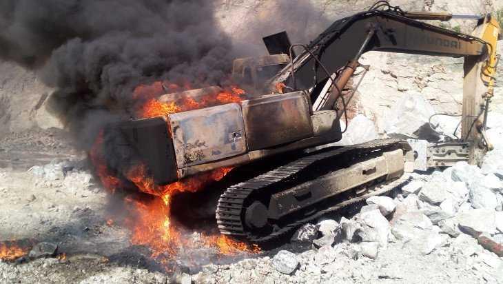 Под Дятьковом сгорел экскаватор