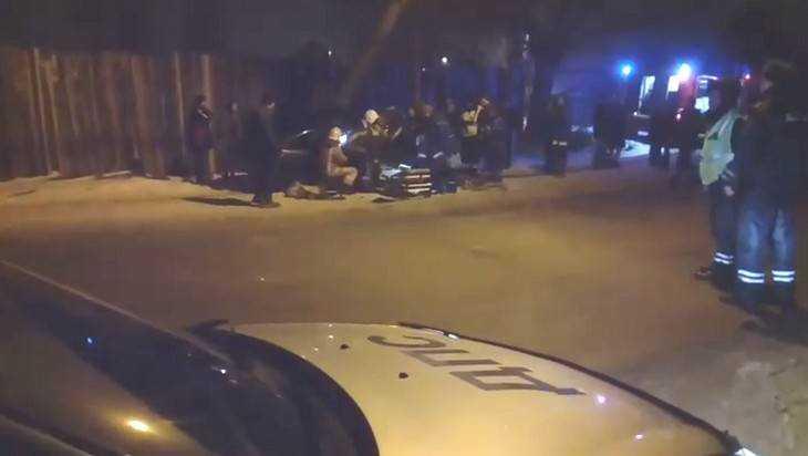 Вновогоднюю ночь шофёр вБрянске въехал встолб
