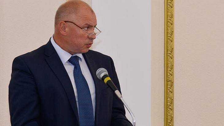 Брянский суд освободил обвиненного во взятке экс-чиновника Сафонова