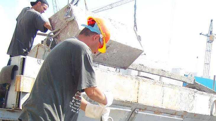 Строительную компанию «ЮнисСтрой» накажут засокрытие информации отравме рабочего