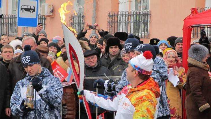 Брянец реализует Олимпийский факел за42 тысячи руб.