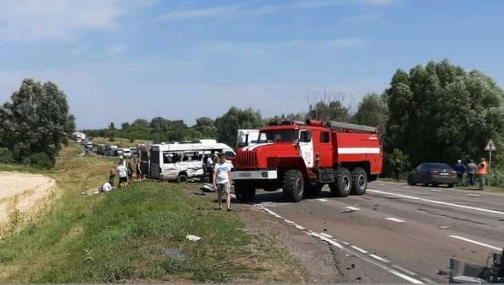 В Брянской области в ДТП с маршруткой погибли три человека