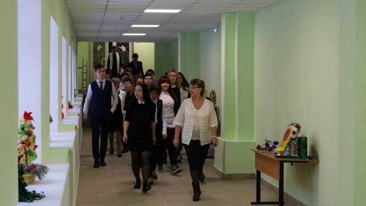 ВБрянске построили переход между корпусами школы №43