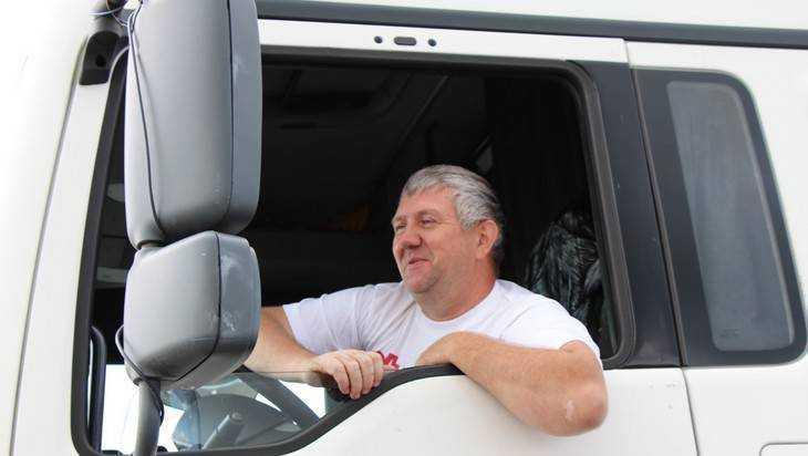 Работающим вБрянске зарубежным водителям дадут год для замены документов