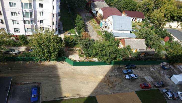 Жители Брянска получили квартиры в многоэтажке без лифта, воды и отопления