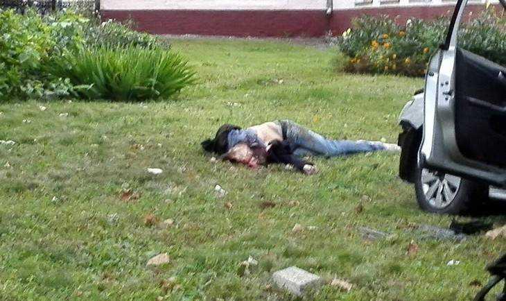 Двое погибли в«Фольксвагене», врезавшемся взабор вБрянске