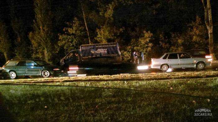 ВБрянске нанабережной столкнулись 10 авто