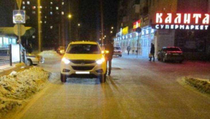 ВБрянске вседорожный автомобиль  едва нераздавил санки с4-летним сыном