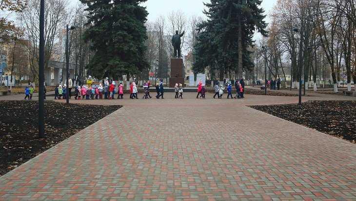 В Брянске открыли благоустроенный сквер имени Ленина