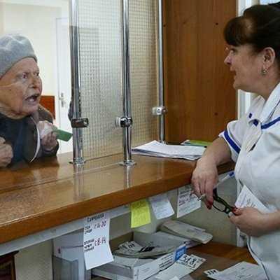 Брянские пожилые люди любят передачи про здоровье иходят в больницы повторникам