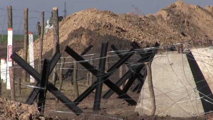 Яценюк готов поделиться сТрампом украинским проектом «Стены»
