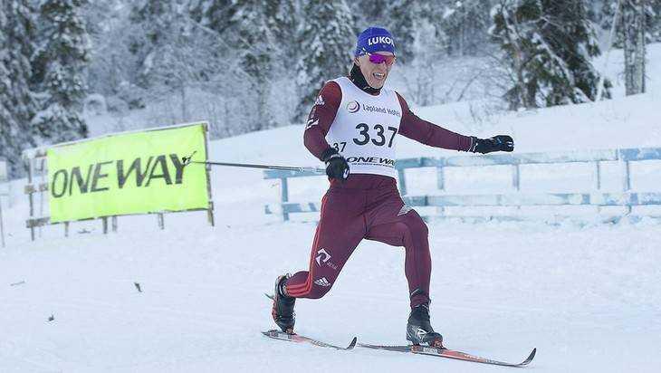 Брянский лыжник Александр Большунов одержал победу «золото» вФинляндии
