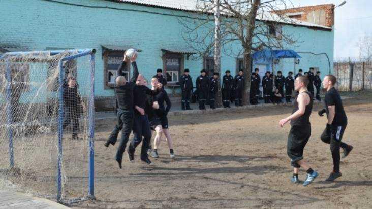 Брянским заключённым покажут матчи чемпионата мира пофутболу