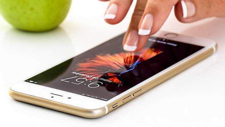 Apple выплатит россиянам по4000 руб. зазамену аккумулятора iPhone