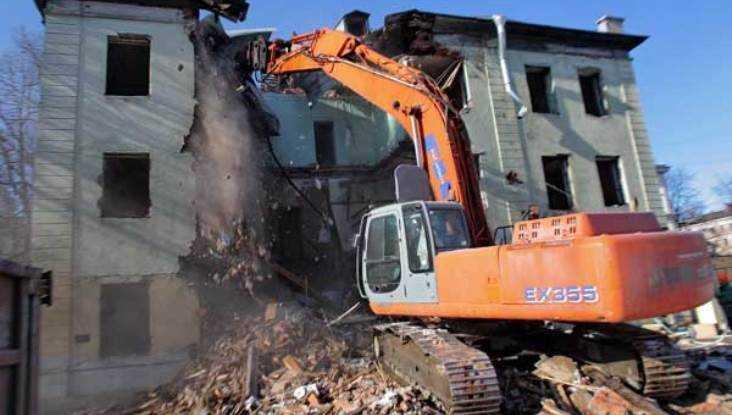 ВБрянске снесли общежитие, нерасселив людей