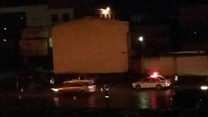 Наулице Бурова вБрянске под колесами Рено умер мужчина