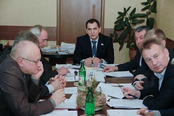 Восьмичасовой рабочий день – не для брянских депутатов