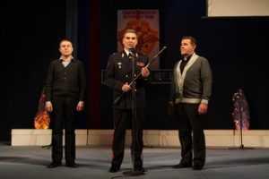 Киношный генерал  вручил саблю генералу полиции Кузьмину