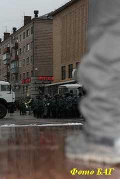 Митинг коммунистов и жириновцев выдохся, не начавшись