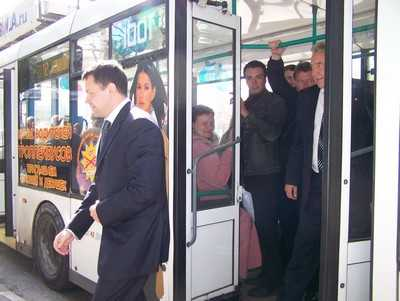 Троллейбус протаранил маршрутку
