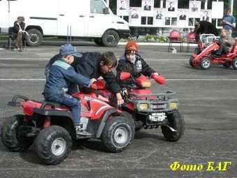 В Жуковке собрались 200 автомоделистов и мотоциклистов
