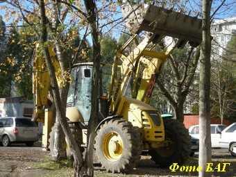 Гаишники предлагают оградить детские площадки и газоны